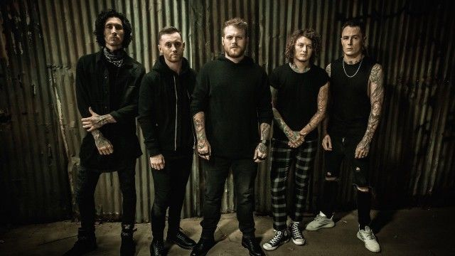 "Asking Alexandria releasen Akustikversion von ""A"